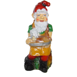 Gnome with a beer on the tray